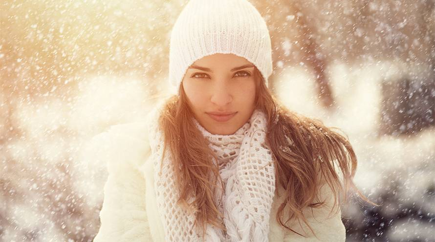 Garnier Hair Color Woman with Long Brown Hair in Winter