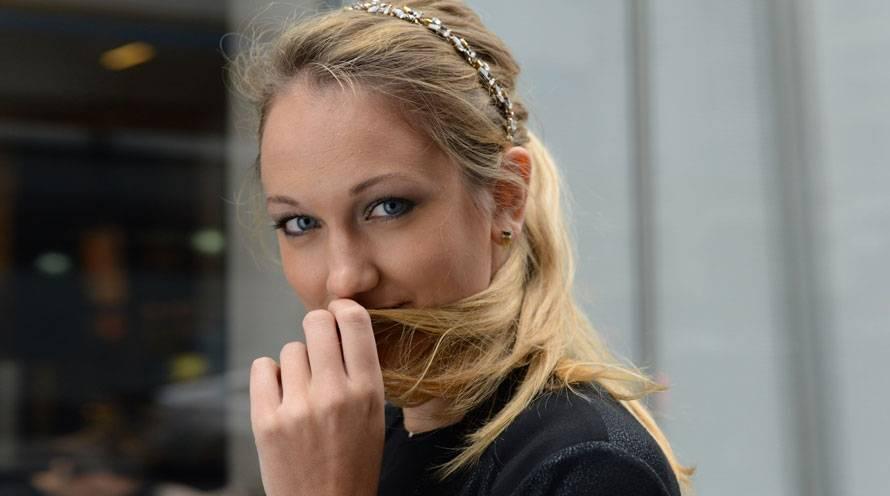 11 Cute Ponytail Hairstyles Easy Ponytail Styles Garnier