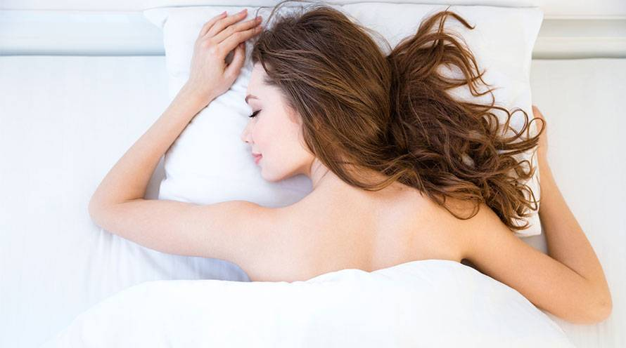 Your sleep position could affect your anti aging efforts - Garnier SkinActive