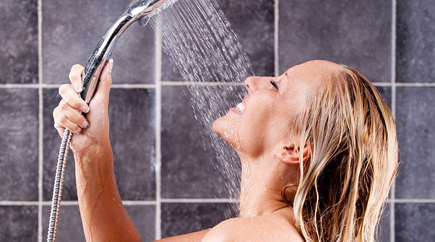 Does showering affect the skin on your face - Garnier SkinActive