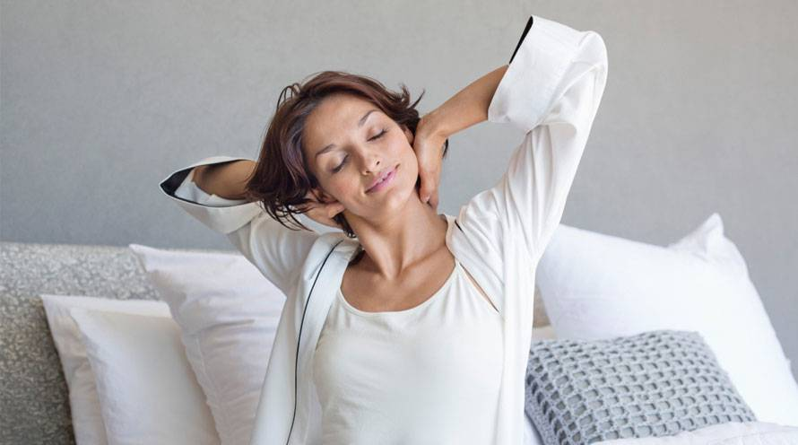 Learn five ways to wake up - Garnier SkinActive
