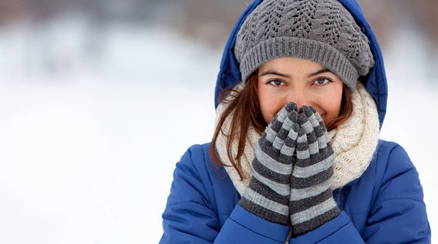Is your skin experiencing damage from winter weather?  - Garnier SkinActive
