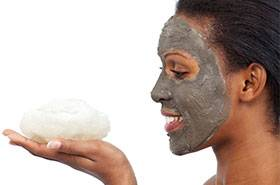 Three ways to cleans oily skin with charcoal - Garnier SkinActive