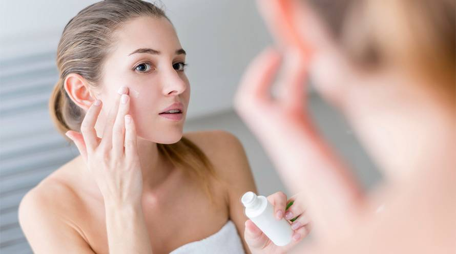 Skin care tips that can help you manage dark spots - Garnier SkinActive