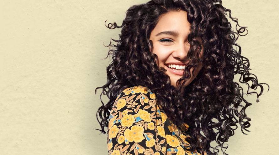 The Best Curly Hair Routine For Every Curl Type Garnier
