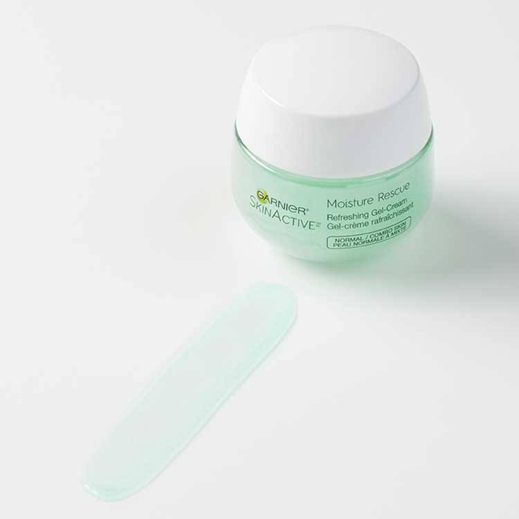 moisture rescue refreshing gel cream texture