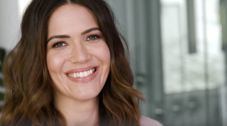 Mandy_Moore_Smiling1